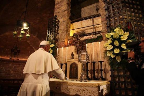 Pape François, crypte Saint François d'Assise, 4 octobre 2013