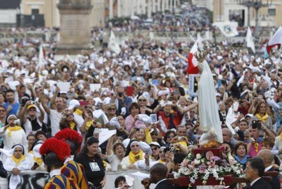 Procession Vierge de Fatima, Rome, octobre 2013