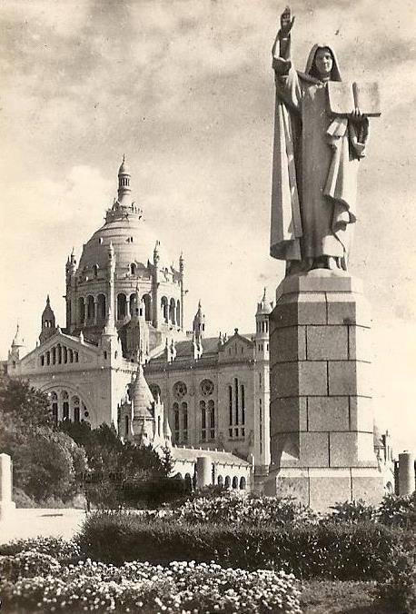 Basilique Sainte Thérèse de Lisieux (1956)