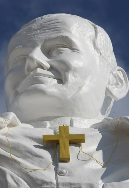 Statue de JP II inaugurée à Czestochowa en avril 2013