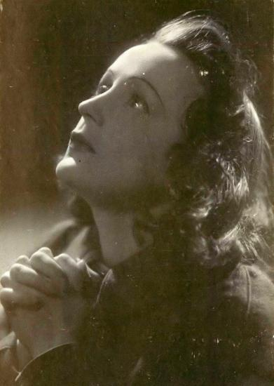 edith-piaf-praying-rezando-parousie-over-blog-fr.jpg