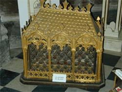 saint-antoine-reliques-arles-eglise-saint-trophime-depuis-1999.jpg
