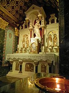 sanctuaire-notredamedulaus-com-notre-dame-du-laus-hautes-alpes-notre-dame-de-bon-rencontre-restauree-parousie-over-blog-fr-2.jpg